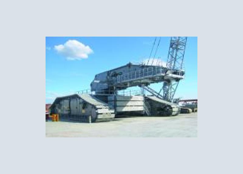 Liebherr LR 13000 crawler crane with 3,000 tonnes maximum