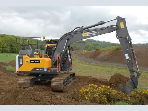 RJ McLeod expands its range of Volvo excavators | Hub-4
